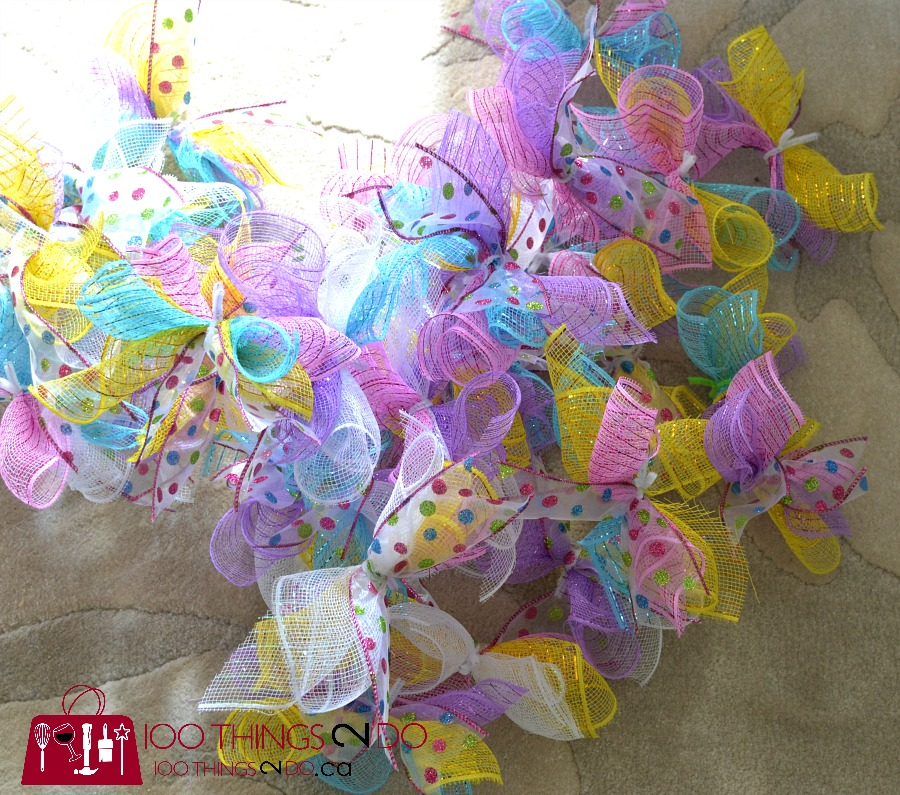 Easy Easter wreath, deco mesh wreath, Easter decor, Easter centrepiece, Easter centerpiece, dollar store wreath
