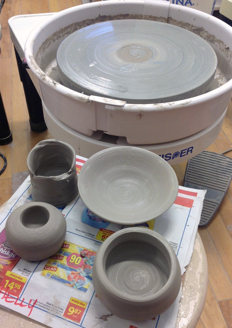 Pottery, learning pottery, learning the potter's wheel, london potter's guild, wheel turning, National DIY Day
