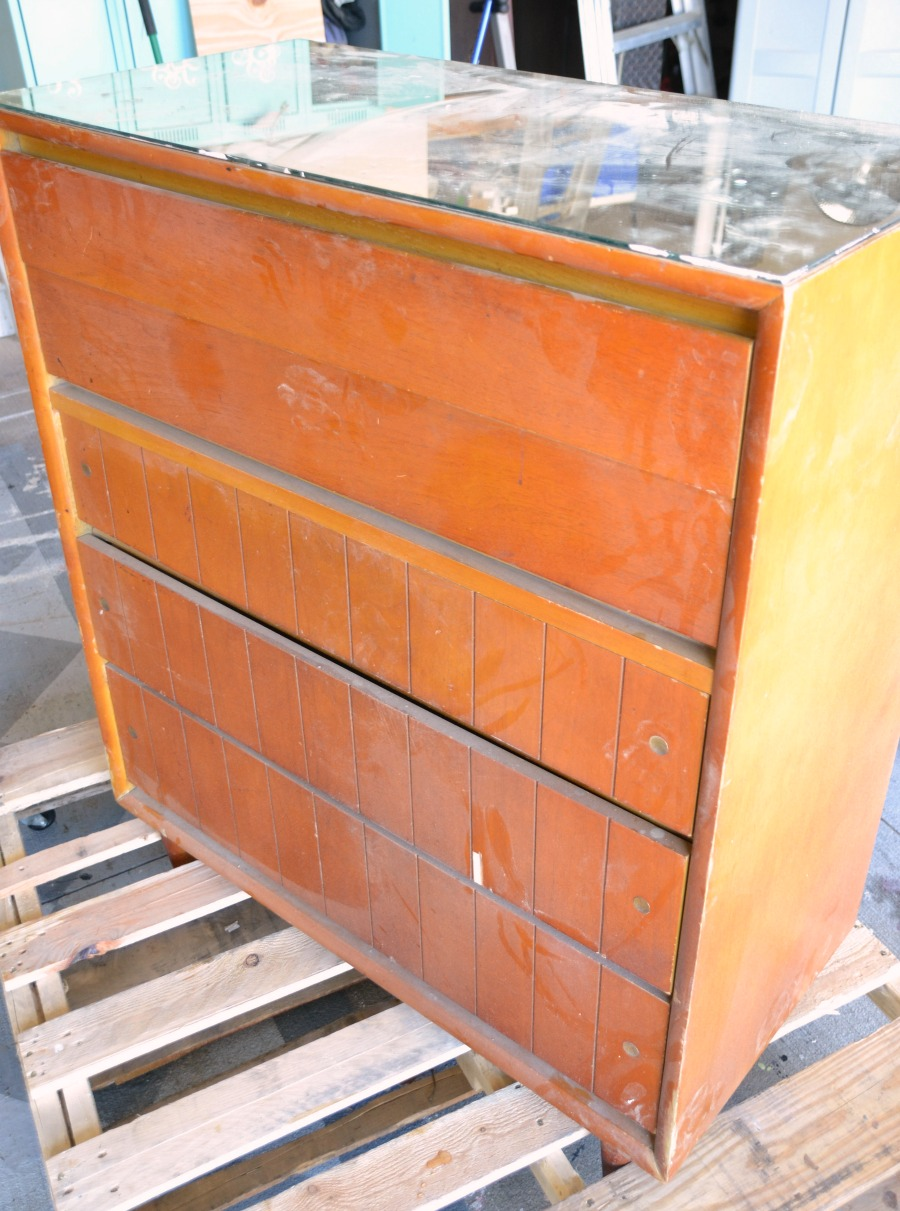 Refinished dresser, dresser makeover, trashure, white &#91;...&#93; </p srcset=