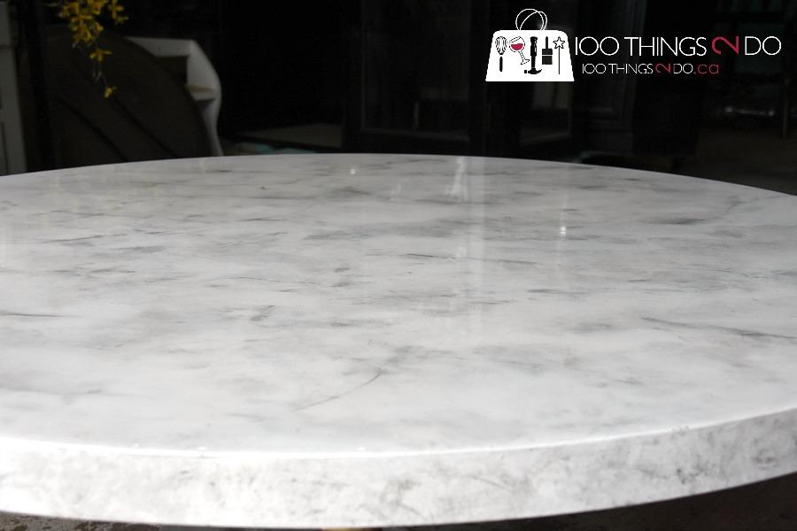 Marble coffee table, mid-century modern coffee table, round pedestal coffee table, faux marble, faux carrera marble, DIY marble table, faux marble coffee table, how to paint faux marble