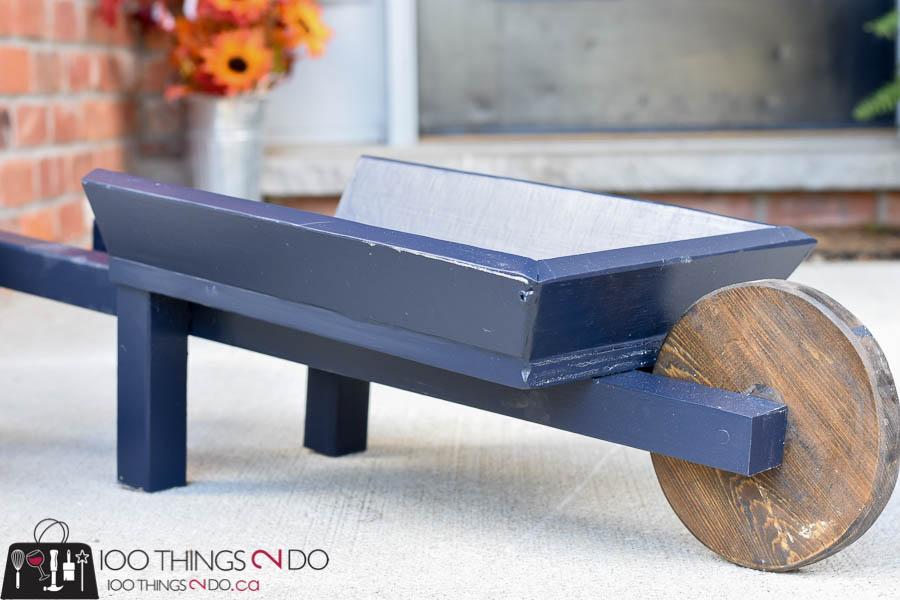 Fall outdoor decor, DIY wheelbarrow, decorative wheelbarrow, fall decor, fall front porch, autumn DIY