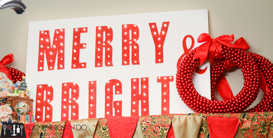 20 Simple Christmas DIYs, Christmas marquee, DIY marquee sign, Christmas DIY, Easy Christmas crafts, DIY Christmas decor