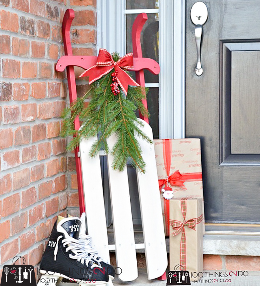 20 Simple Christmas DIYs, DIY sled, DIY Christmas sled, Christmas DIY, Easy Christmas crafts, DIY Christmas decor