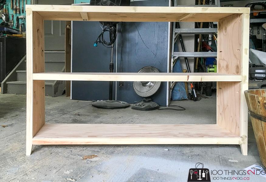 low bookcase building plans, DIY low bookcase, long bookcase, landing bookcase, room divider bookcase