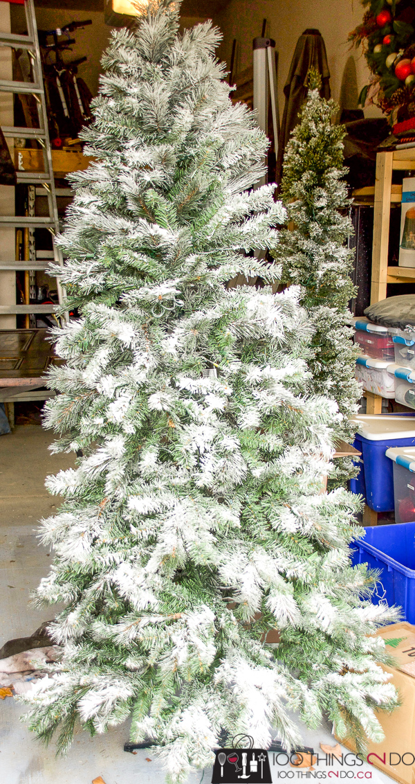 Adding snow to an artificial Christmas tree, flocking an artificial tree, DIY flocked Christmas tree, Christmas tree flocking, adding artificial snow to your Christmas tree
