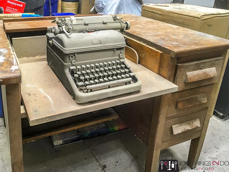 Peachy Grandmas Typewriter Desk 100 Things 2 Do Download Free Architecture Designs Embacsunscenecom