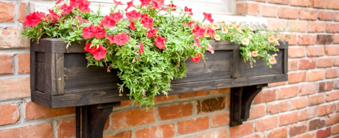 Window box, DIY window box, scrap wood window box