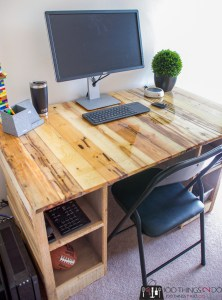 Pallet wood desk, barn board desk