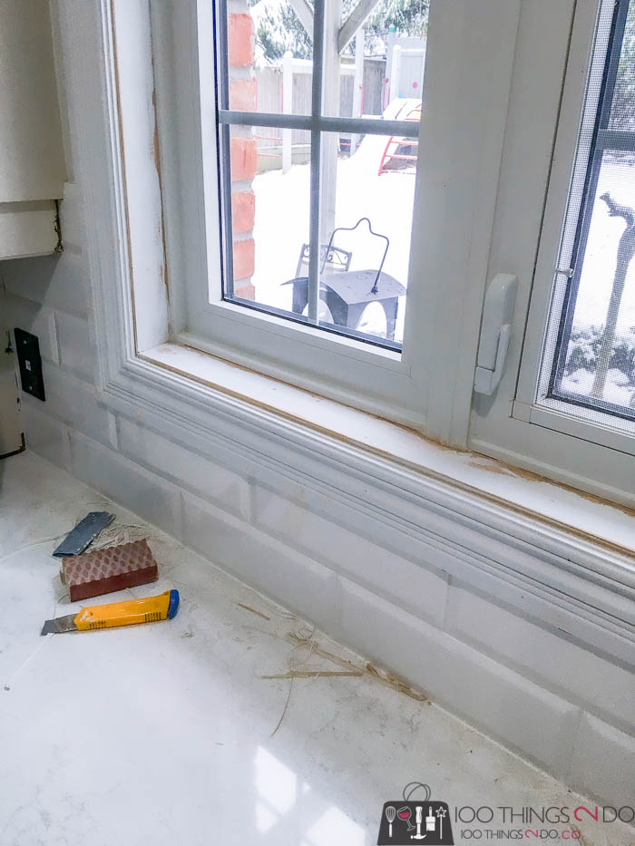 Caulking windows, how to caulk windows, repairing caulk on windows