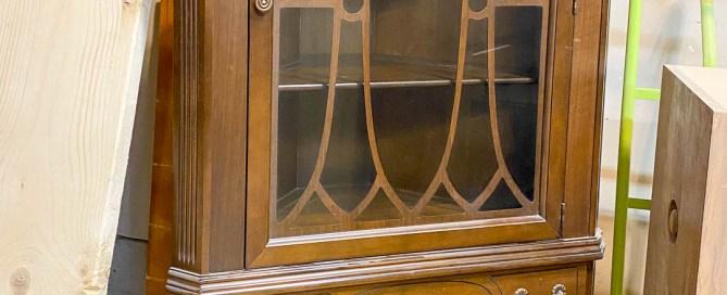 Corner cabinet, corner china cabinet, corner display cabinet, corner cabinet makeover