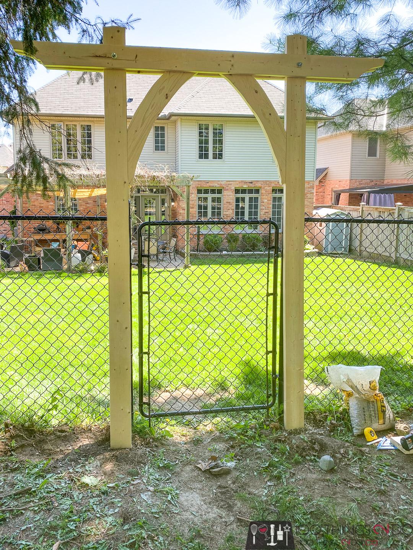 building a garden arbor - front frame
