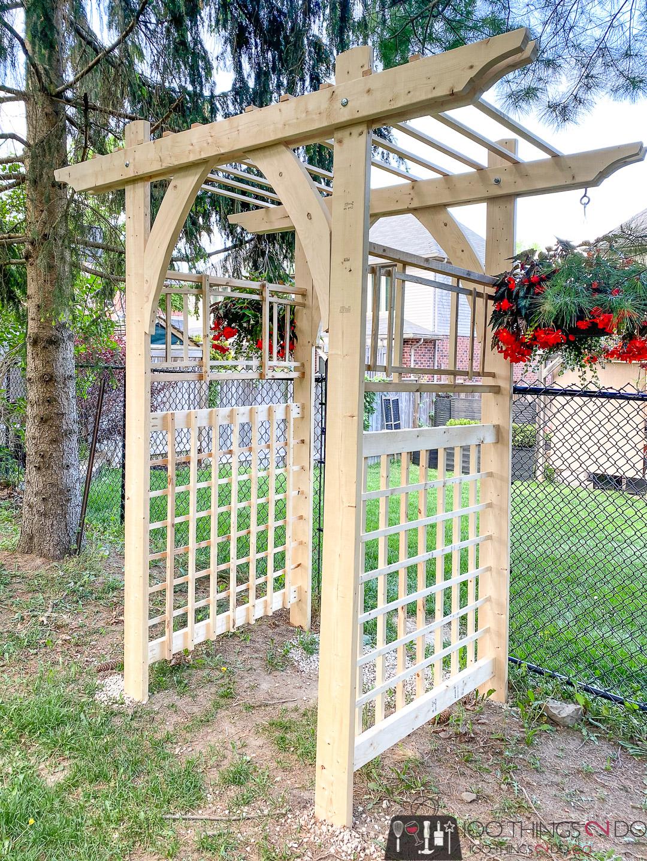 DIY garden arbour, DIY garden arbor