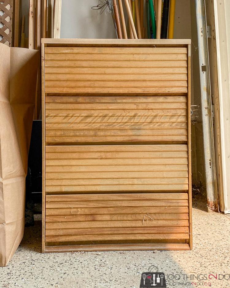 louvred dresser