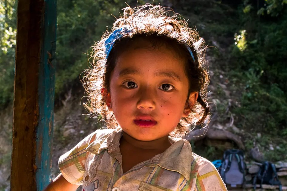 Small girl, Annapurna trail store