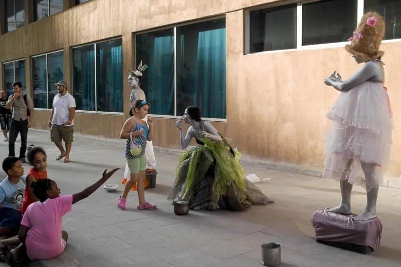 Street performers, Havana