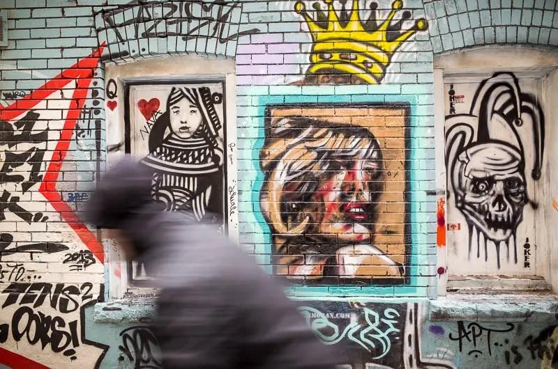 Queen and joker graffiti