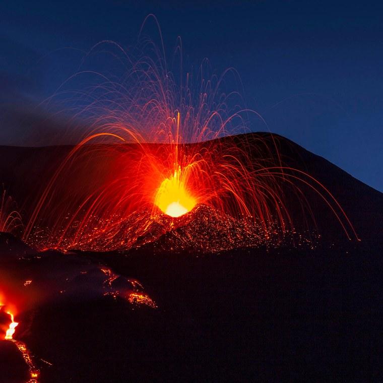 Etna, lapilli di magma