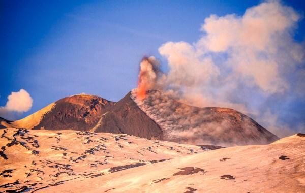 Eruzine dai crateri sommitali