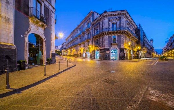 Catania via Etnea e via di San Giuliano