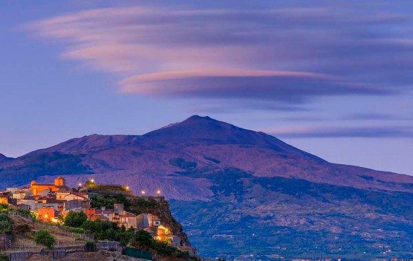 Borgo di Roccella Valdemone, belvedere dell'Etna.
