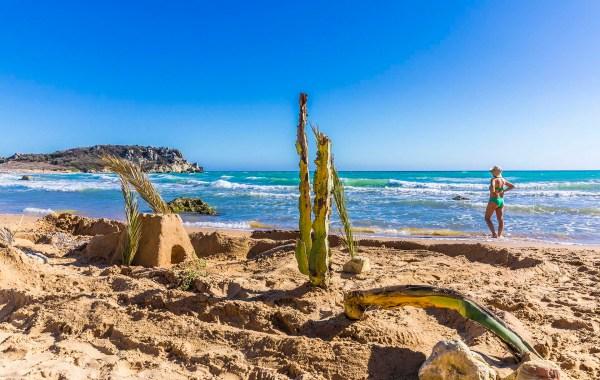 Castello di sabbia a Poliscia beach
