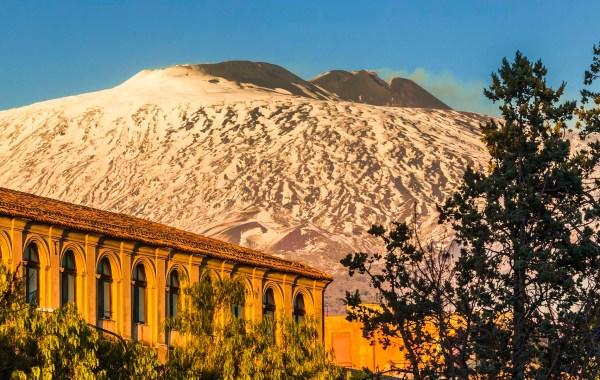 Il Convento di Santa Lucia ad Adrano sotto il vulcano Etna