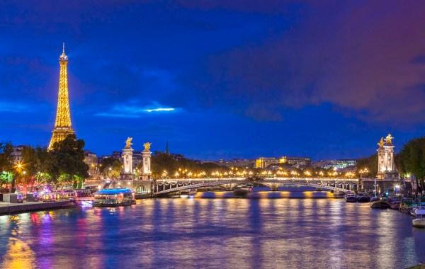 Parigi, fiume Senna, ponte Alexsander III e la torre Effel