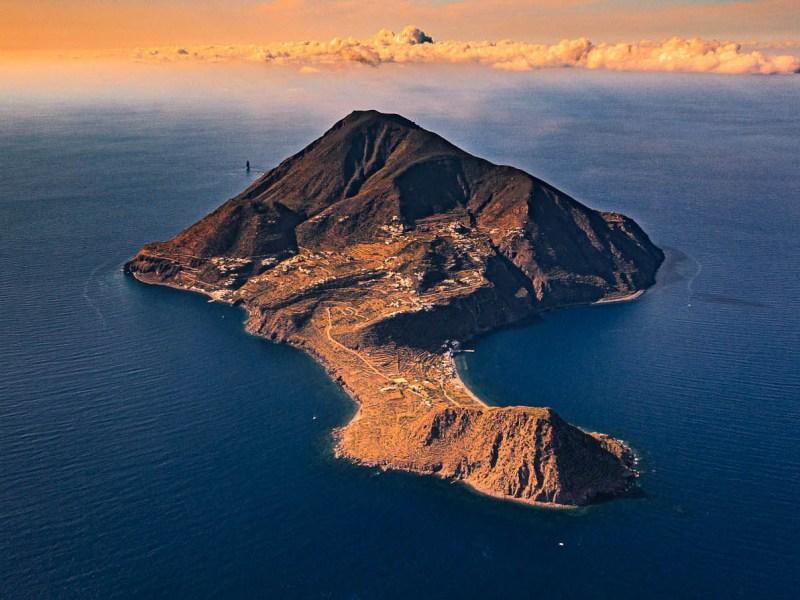 filicudi isole eolie