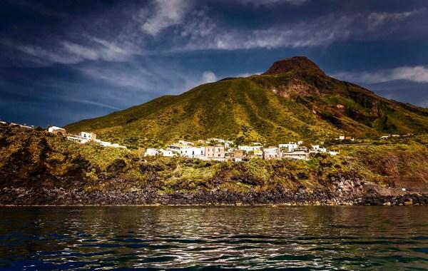 Isola di Stromboli, borgo marinaro di Ginostra
