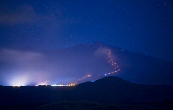 Etna, fiaccolata di San Lorenzo