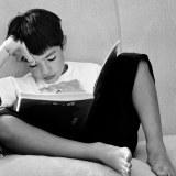 勉強中の子ども