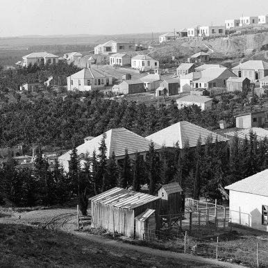 1280px-Bnai_Brak._Colony_of_Orthodox_Jews._1920-1933._matpc.00204