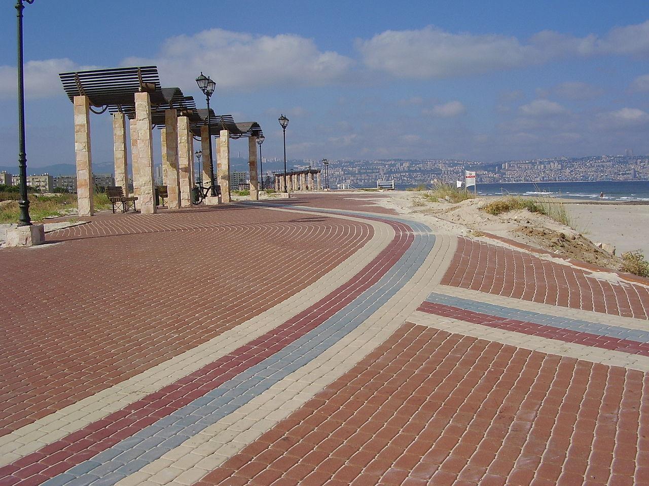 1280px-PikiWiki_Israel_13486_Kiryat_Yam_Beach