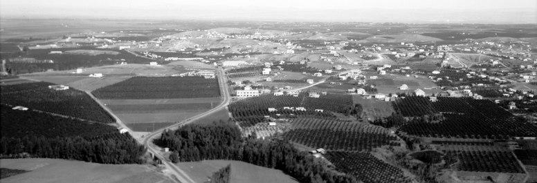 1920px-Air_views_of_Palestine._Bnei_Brak_and_Borochov,_etc._Jewish_colonies_N.E._of_Tel_Aviv._1932._matpc.22211.II