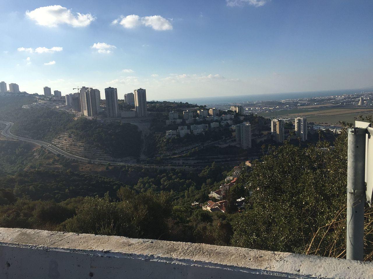 Nesher,_Israel_-_panoramio