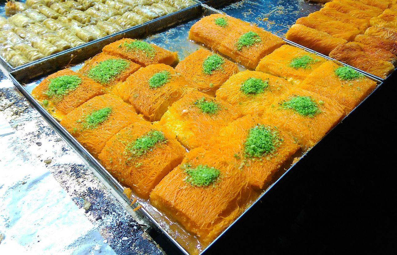 Kanafeh_at_Mahane_Yehuda_Market
