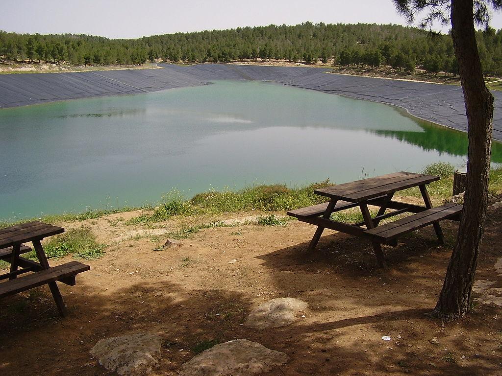 1024px-Yatir_Reservoire_in_Yatir_Forest,_Israel