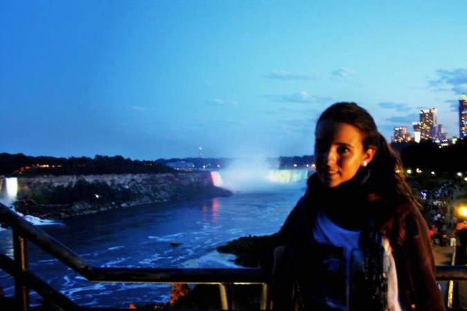 niagara falls night