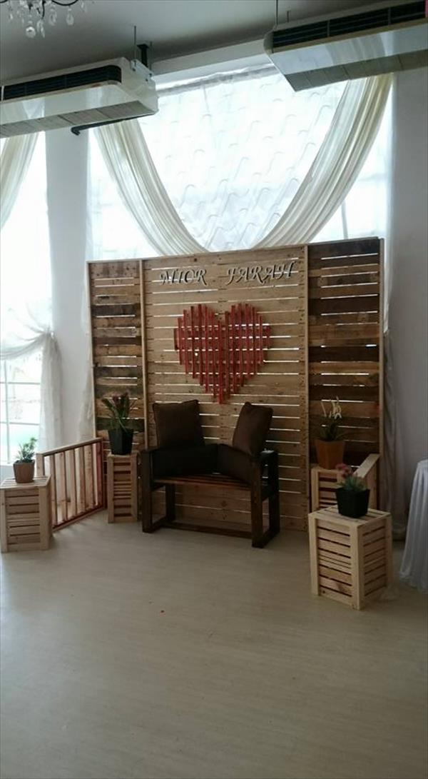 DIY Pallet Wedding Stage / Wall / Room Divider | 101 Pallets on Pallet Room  id=97617