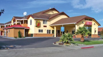 Super 8 Motel, Fortuna