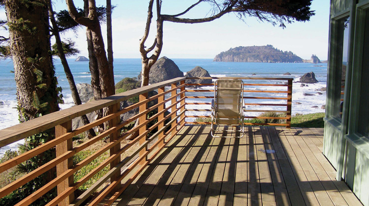 View-of-the-ocean-redwood-coast-vacation-rentals