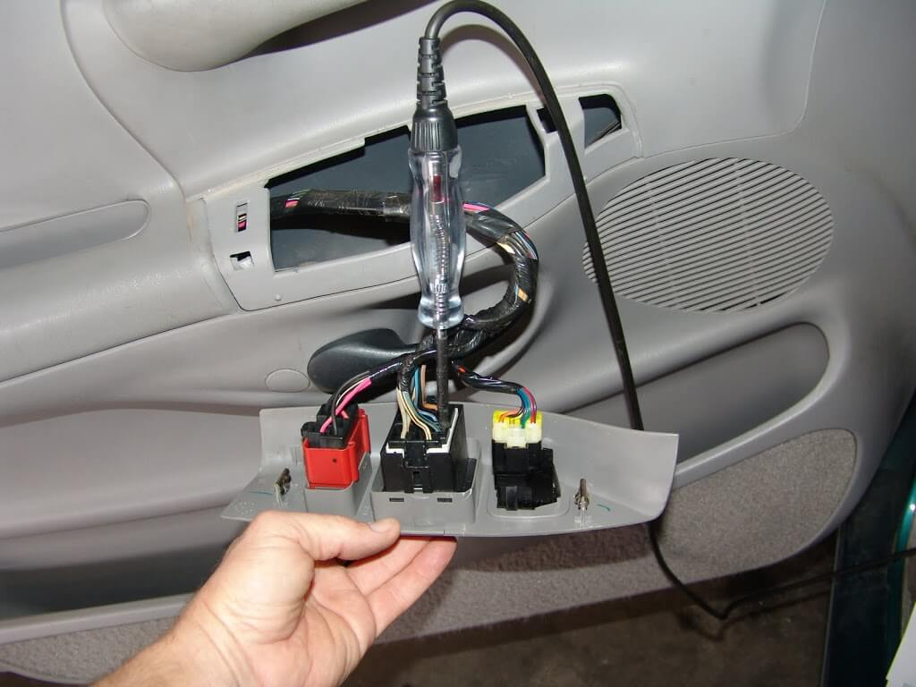 Sparky's Answers - 1997 Ford F150, Power Windows InopSparky's Answers