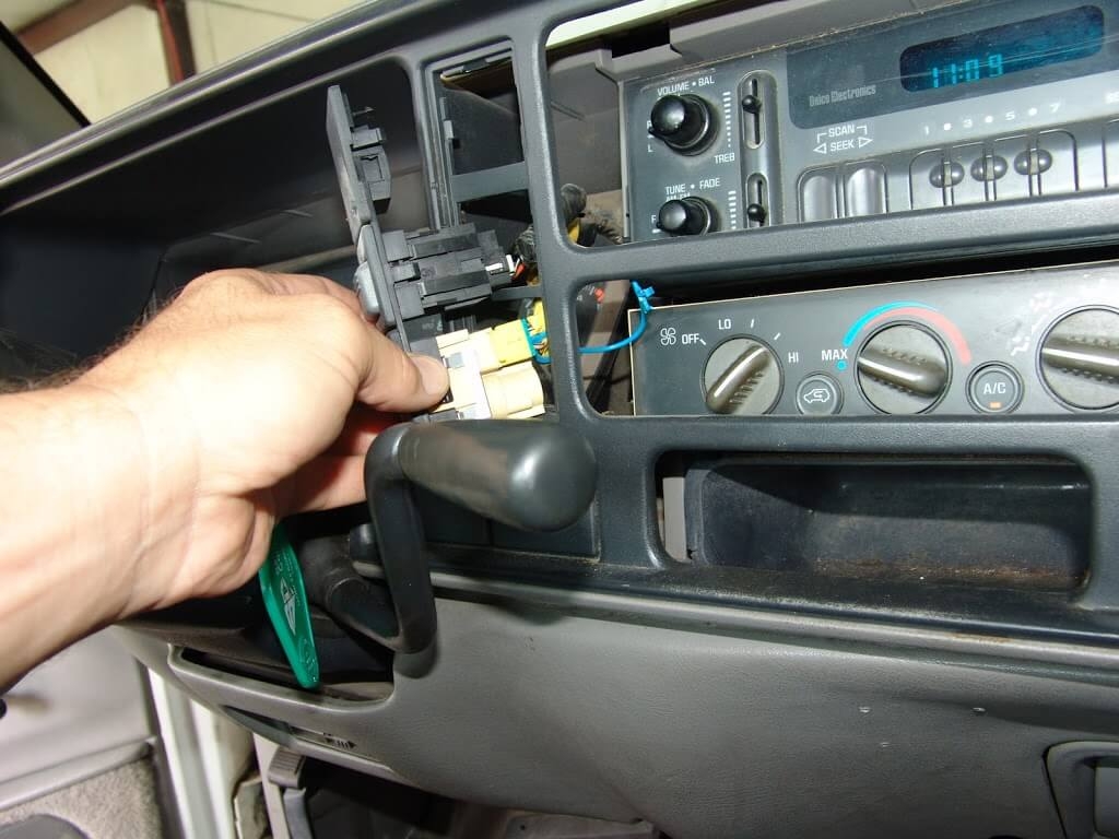 Sparkys Answers 1997 Gmc C1500 Pickup No Blower Part 1 1996 Jimmy Motor Wiring Diagram It Is Easier To Do All Of This With The Shifter Handle Pulled Way Down D1 Position