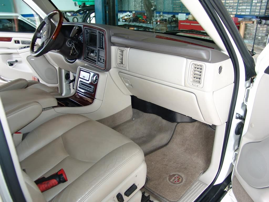 Sparky's Answers - 2005 Cadillac Escalade, Driver's Side ...