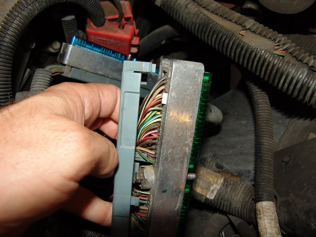 Sparky's Answers - 2003 Chevrolet Avalanche, No Run Condition on building circuits, electronics circuits, inverter circuits, power circuits, coil circuits, battery circuits, wire circuits, three circuits, thermostat circuits, control circuits, relay circuits, computer circuits, lighting circuits, audio circuits, motor circuits, electrical circuits,
