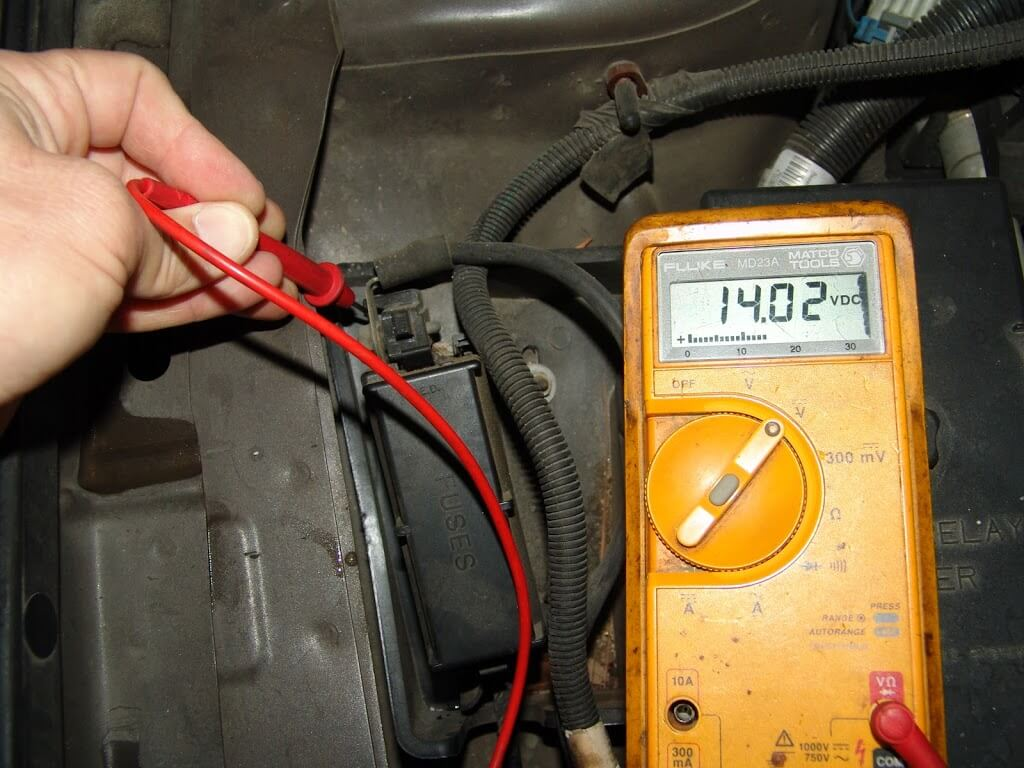 DSC06178 sparky's answers 2001 buick park avenue, multiple electrical low voltage fuse box at webbmarketing.co