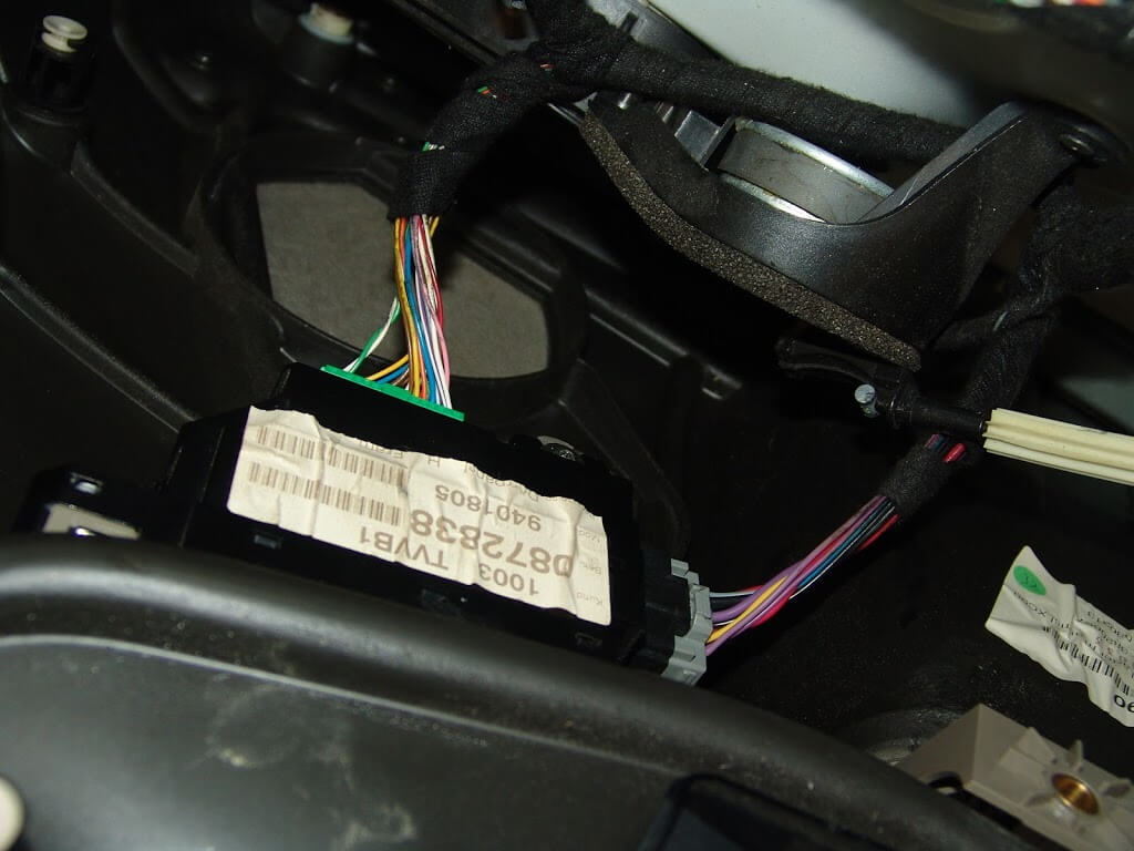 Sparkys Answers 2004 Volvo Xc90 Power Window Does Not Work Wiring Fan I Disconnected The Harness Shown Below With Larger Wires And Grey Connector Had Already Looked A Diagram Found That Large Red Wire