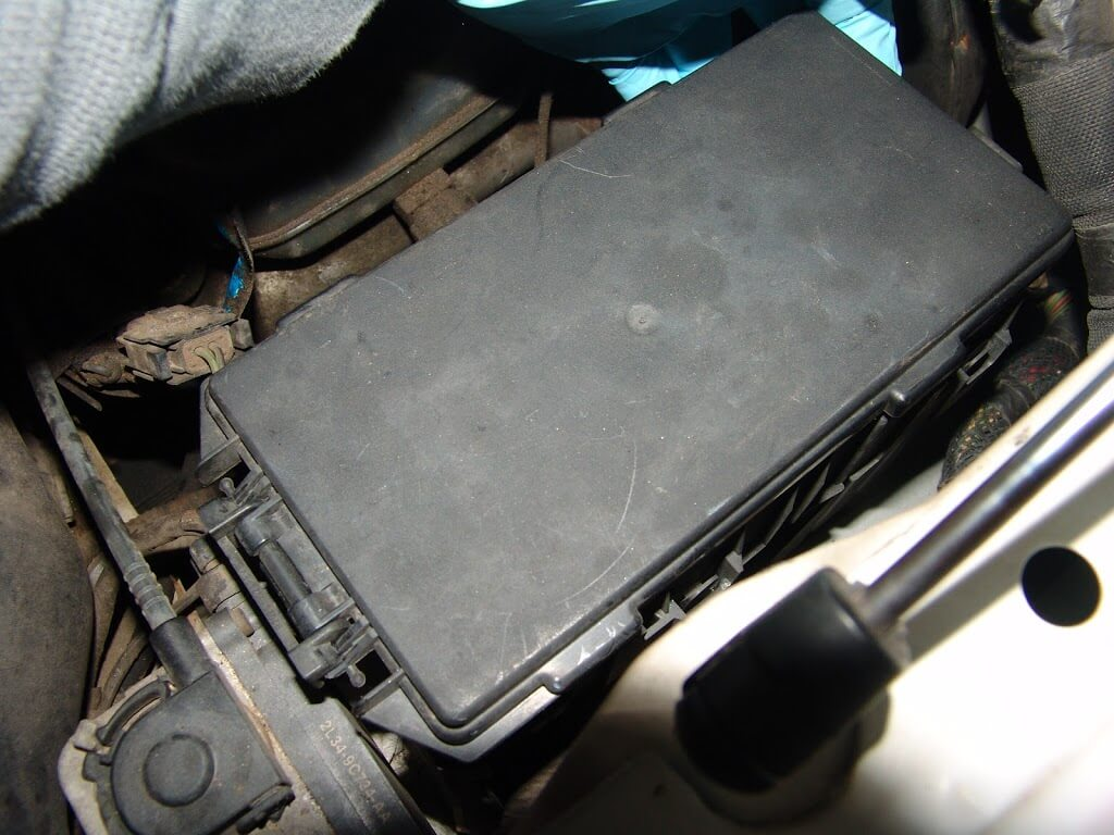 Ford F150 Fuse Box Issues : Sparky s answers ford f battery goes dead overnight
