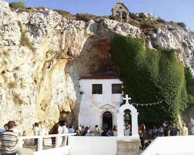 Πεζοπορία στη Μονή Παναγίας Φανερωμένης