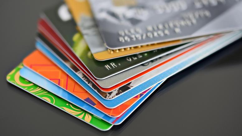 νέες ρυθμίσεις για πλαστικό χρήμα και κίνηση χρήματος στην Ευρώπη